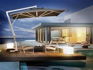 sonnenschirm mit asche tragarm idfdesign With französischer balkon mit sonnenschirm cafe