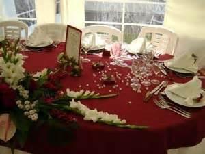 mariage bordeaux décoration de table mariage bordeaux ivoire idées et d 39 inspiration sur le mariage
