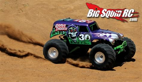 grave digger 30th anniversary monster truck toy 30th anniversary grave digger monster truck from traxxas