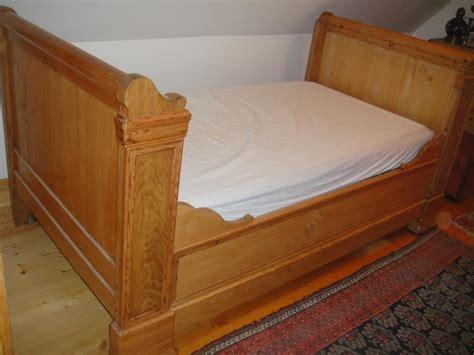 troc echange magnigfique lit de coin ancien en pin sur