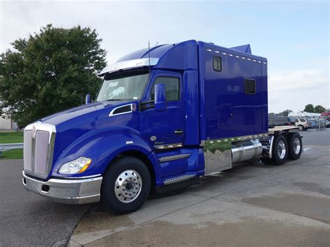 New Kenworth T680 Daycab Increases Fuel Economy