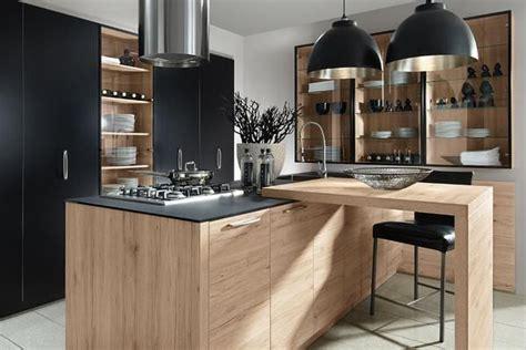 une cuisine contemporaine en bois de la marque allemande
