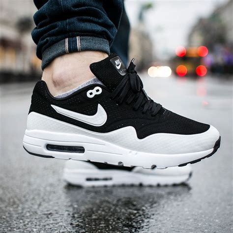 nike siege social nike air max 1 the ultra moire