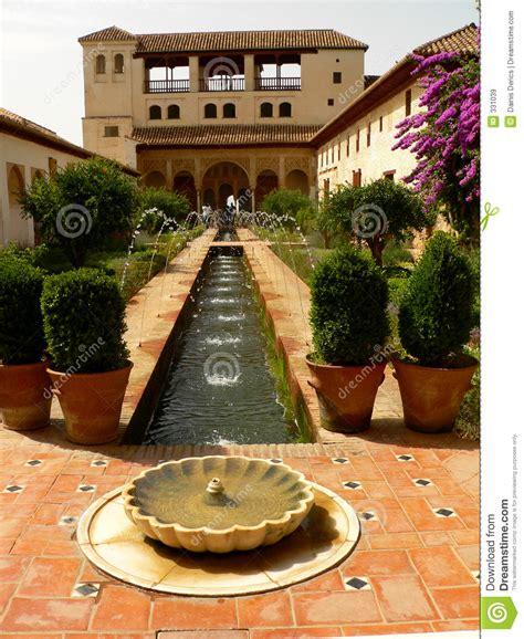 Jardin De L Alhambra Marrakech by Jardin D Alhambra Images Libres De Droits Image 331039