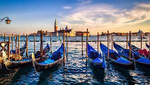 Download Wallpaper  Gondolas From Venice At Sunset 1920x1080