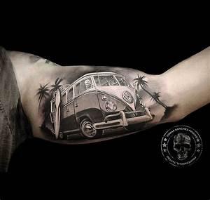 Mini Tattoos Männer : vw camper inner bicep tattoo pecker 39 l tattoo ideen t towierungen und tattoo vorlagen ~ Frokenaadalensverden.com Haus und Dekorationen
