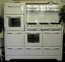 Antique Gas Stoves and Ovens