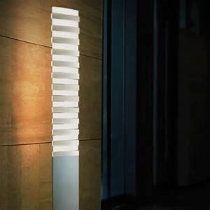 Lampadaire Design Led : lampadaire led piano floor deco lumineuse ~ Teatrodelosmanantiales.com Idées de Décoration