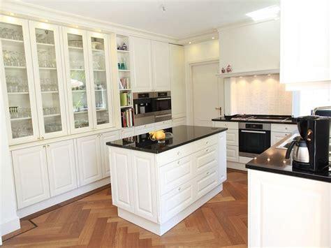 Küchen Mit Granitplatten by K 252 Chen Im Landhausstil Aus Dem M 252 Nsterland Granitplatte
