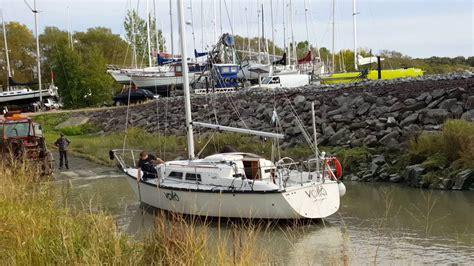 jean port joli sorti du voilier voil 224 de l eau 224 st jean port joli