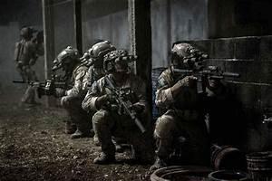 ZERO DARK THIRTY drama history military thriller weapon ...