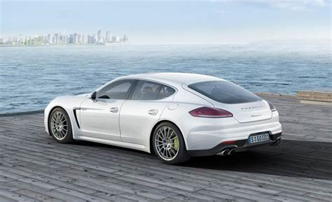 porsche sedan 2015 2015 porsche panamera information and photos zombiedrive