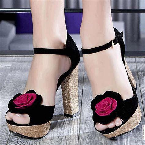 choosing  shoes  match elegant evening dresses