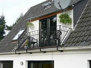 Dachausbau Mit Fenster : dachgaube mit balkon beispiele f r dachausbau zimmerei ~ Lizthompson.info Haus und Dekorationen
