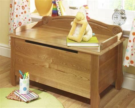 coffre à jouets en bois le coffre 224 jouets id 233 es d 233 coration chambre enfant archzine fr