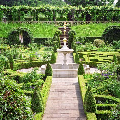 Englischer Garten Bilder by Water In Gardens 15 Of 33 Knot Garden Hatfie