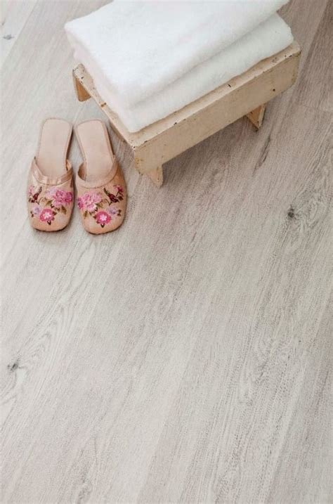 Direct Print Cork Flooring   Oak Beachside   World Floors