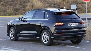 Futur Audi Q3 : camouflage tr s l ger pour le futur audi q3 l 39 automobile magazine ~ Medecine-chirurgie-esthetiques.com Avis de Voitures