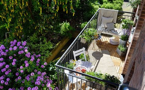 15 Balcony Garden Ideas For Plant Lovers That Live In ...