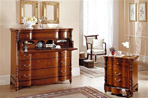 Mobili Classici Napoli mobili in legno massello maestosi eleganti dettagli