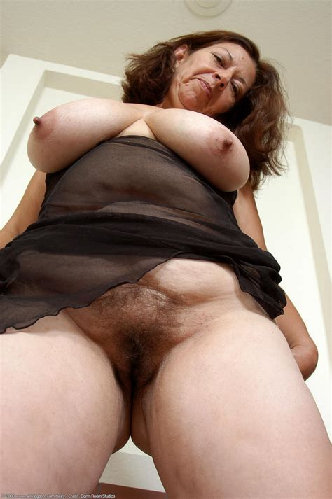 Hairy Porn Pic » Guadalupe – Lovely hairy Latina mature