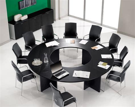 Runder Tisch Für 10 Personen by B 252 Rom 246 Bel Runder Konferenztisch F 252 R 12 Personen