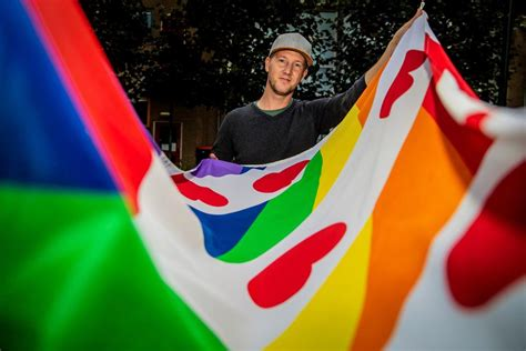 vlaggen om jezelf te kunnen zijn wij willen geen hokje