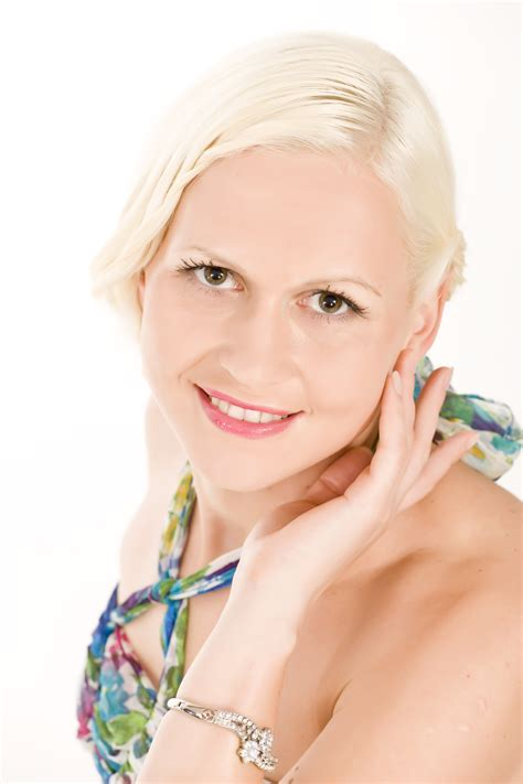 Endia - latviete, kas dziedājusi Dienvidāfrikā | Cēsu Kultūras centrs