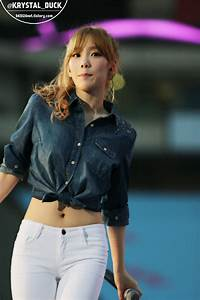 "Girls' Generation Taeyeon Famous ""Baby Tummy"" Exposed In ..."