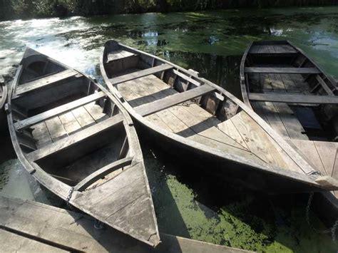 si鑒e pour barque de peche la traditionnelle barque en bois de ch 234 ne pour la p 234 che