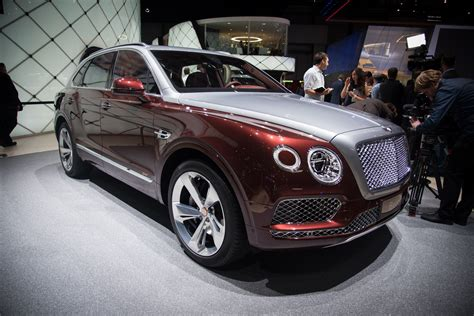 Bentley Bentayga Plugin Hybrid Offers 31 Miles Of Ev