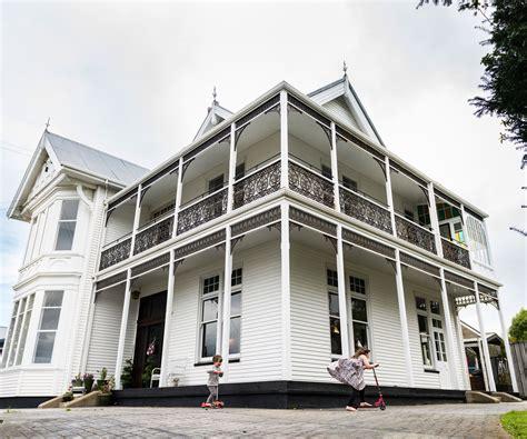 grand oamaru villa  restored  balance work