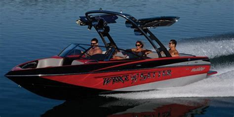 Malibu Boats Weight by 2010 Malibu Wakesetter Vlx Buyers Guide Boattest Ca