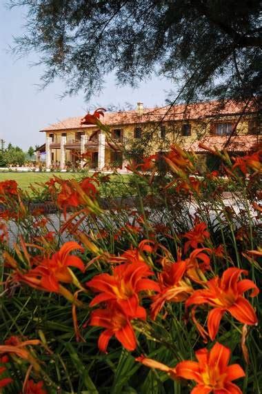 mondo fiorito pieris tenuta a farm in the province of udine