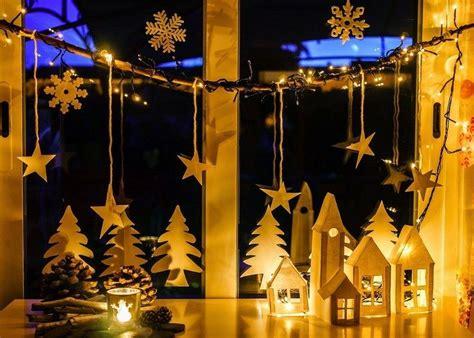 Fensterdeko Weihnachten Selbst Gemacht by Romantische Selbst Gemachte Fensterdeko Mit Papierhaus Und