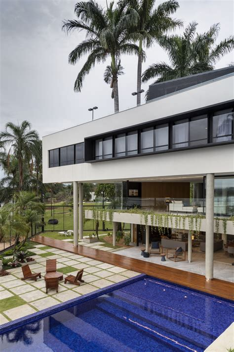 Luxury Home With Indoor Outdoor Family Living Spaces by Luxury Home With Indoor Outdoor Family Living Spaces