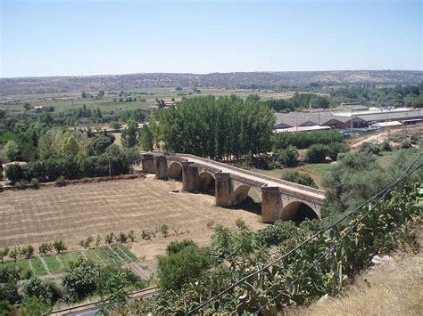 fotos de coria caceres las carreteras de extremadura el puente antiguo de coria