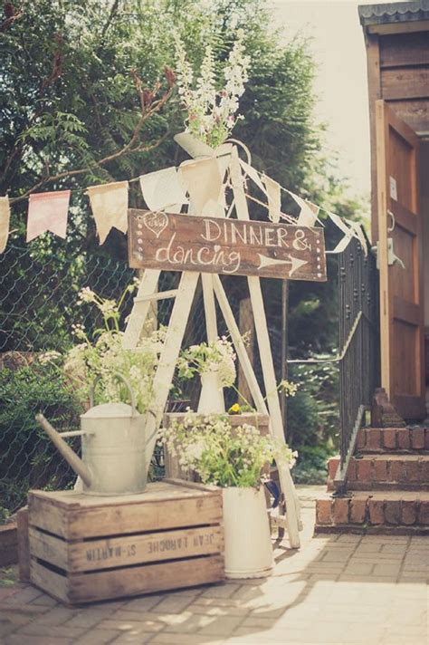 Awesome Rustic Country Wedding Ideas Use Watering Cans