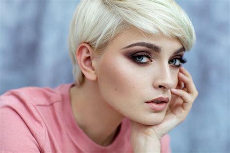 video comment structurer des cheveux courts magazine