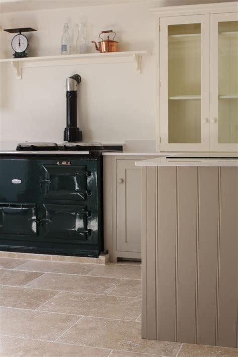 We love this gorgeous Shaker Kitchen laid with our Light