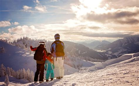 How to Take a Stress-Free Ski Trip With the Family ...
