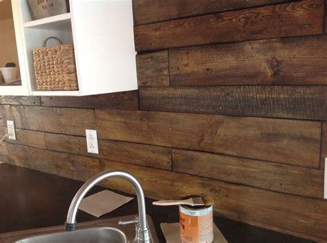 diy shellac pallet backsplash reeds beach kitchen decor pallet backsplash kitchen backsplash