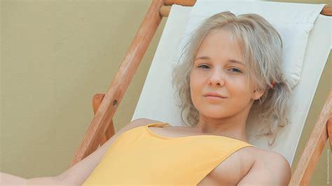 Картинка женщины порнозвезда блондинка длинные волосы