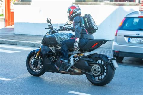 spy   ducati diavel   motorcyclecom