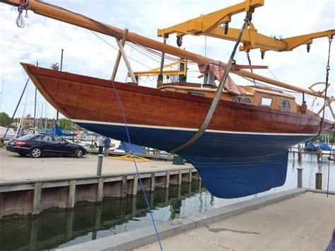 Zeiljacht Kiel by Long Keel Sailing Boat Made Of Massive Mahogany Wood