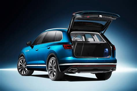 Volkswagen Car : New Volkswagen Touareg Revealed