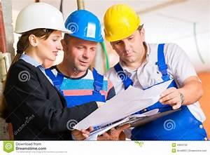 Site De Discussion : work team on construction site controlling floor plan stock photo image of check colleagues ~ Medecine-chirurgie-esthetiques.com Avis de Voitures