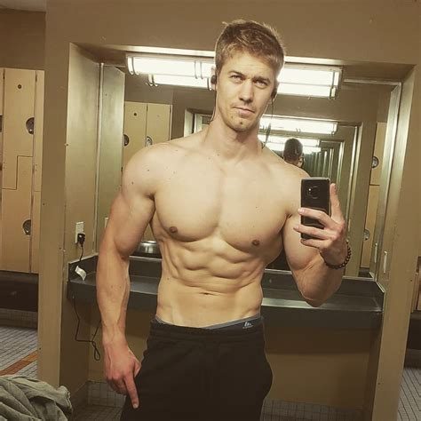 pecs abs arms relaxed | Muscle Inspiration