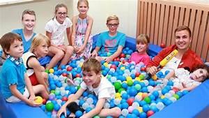 Gemalte Bilder Von Kindern : 39 rtl wir helfen kindern 39 pate mario g tze setzt sich f r schwerstkranke kinder ein ~ Markanthonyermac.com Haus und Dekorationen