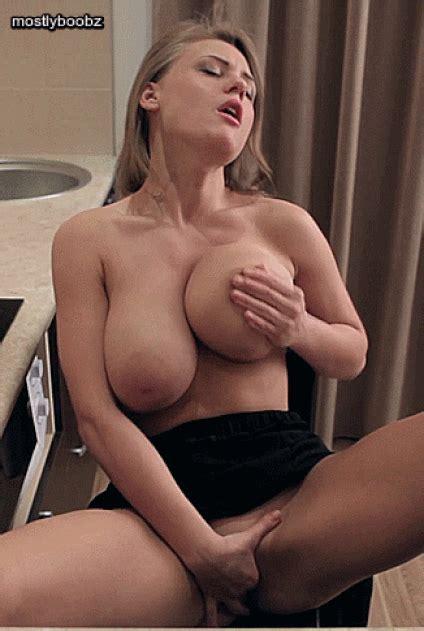Sexy Blonde Titties Zigeunerschlampe